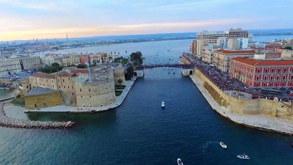 Puglia, firmato accordo per area di crisi industriale Taranto